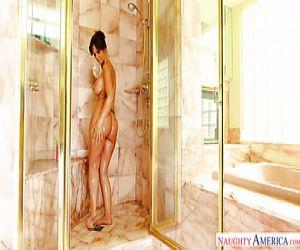 ragazze nude in doccia video